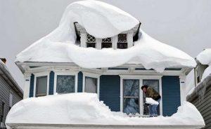 برف روی بام